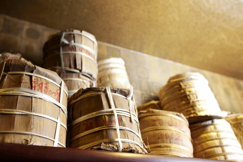 De Chinese thee Puer (van Pu -pu-erh) stock afbeeldingen