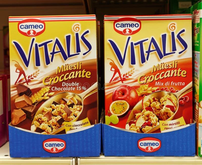 De Chocolade van Vitalismuesli en Multifruit stock afbeeldingen