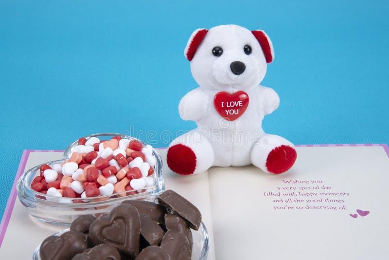 De chocoladesuikergoed van de valentijnskaartendag stock afbeeldingen
