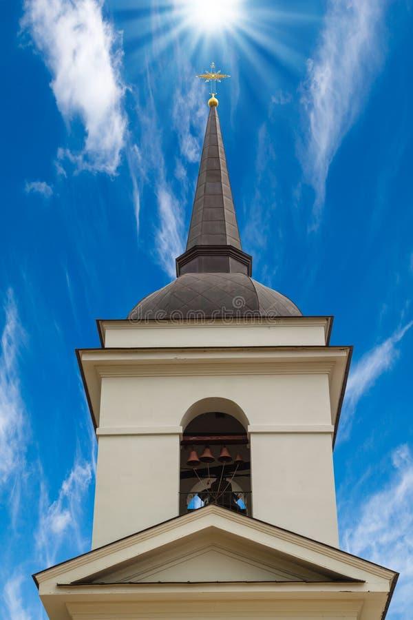 De christelijke Klokketoren van de Kerk stock afbeeldingen