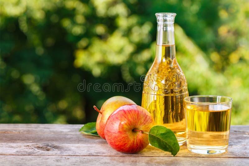 De cider of het sap van Apple royalty-vrije stock afbeelding