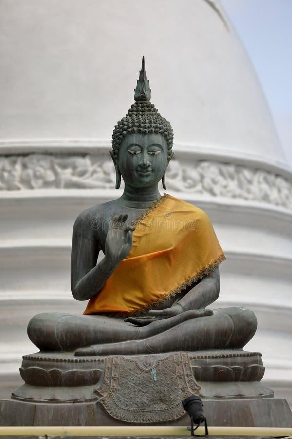 De cijfers van Boedha in de Seema Malaka-tempel van Colombo in Sri Lanka stock fotografie