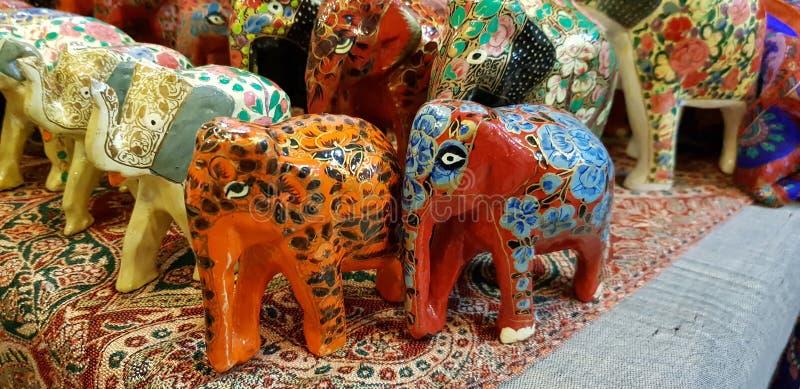 de cijfers van de olifantskleur stock fotografie