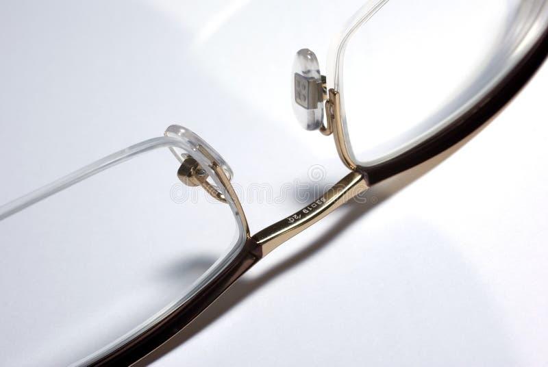 De close-up van glazen op witte achtergrond. stock afbeelding