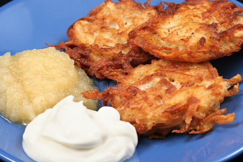 De Close-up van Latkes van de aardappel stock afbeelding