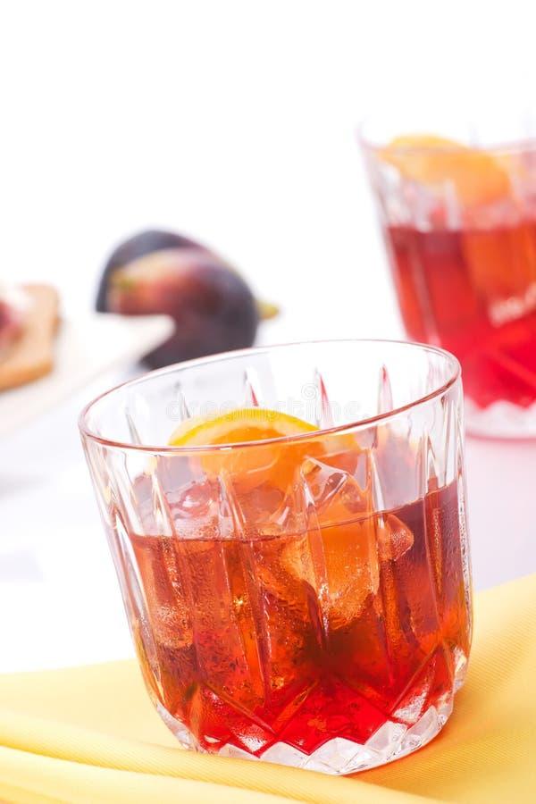 De cocktail van Campari in rotsen royalty-vrije stock afbeeldingen