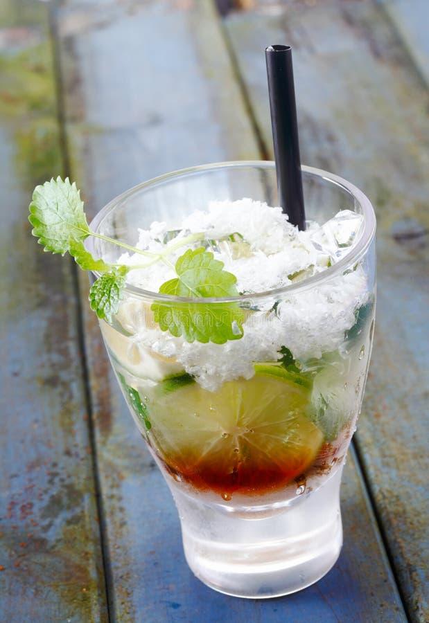 De Cocktail van de kalk stock afbeeldingen