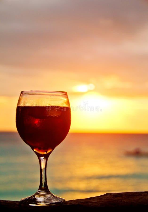 De Cocktail van de zonsondergang stock foto's