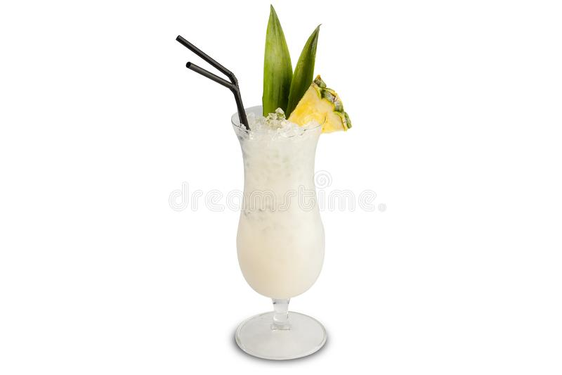 De cocktail van Pinacolada die op witte achtergrond wordt ge?soleerd royalty-vrije stock afbeelding
