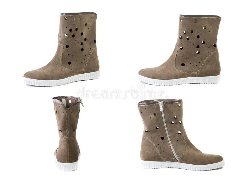 De collage van schoenen springt bruine laarzen voor vrouwenschoenen op op een witte achtergrond, online winkel stock foto