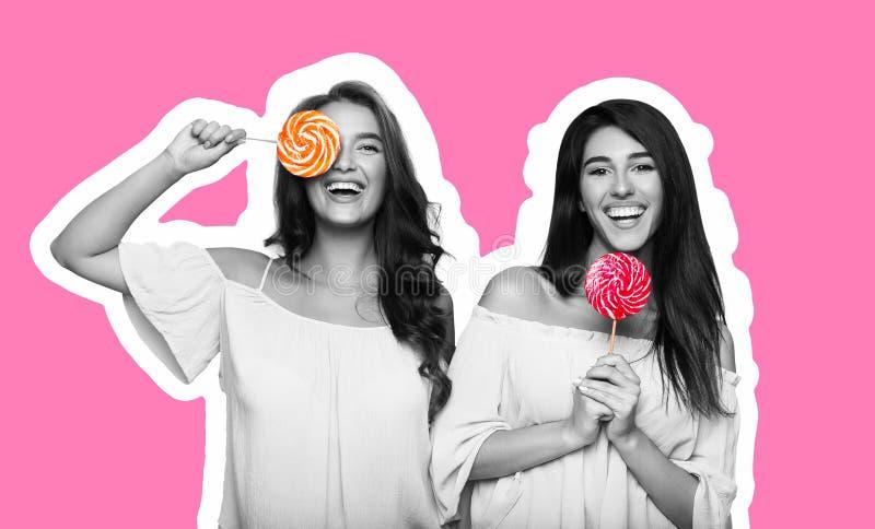 De collage van de tijdschriftstijl van twee jonge vrouwen die pret met lollys hebben royalty-vrije stock afbeelding