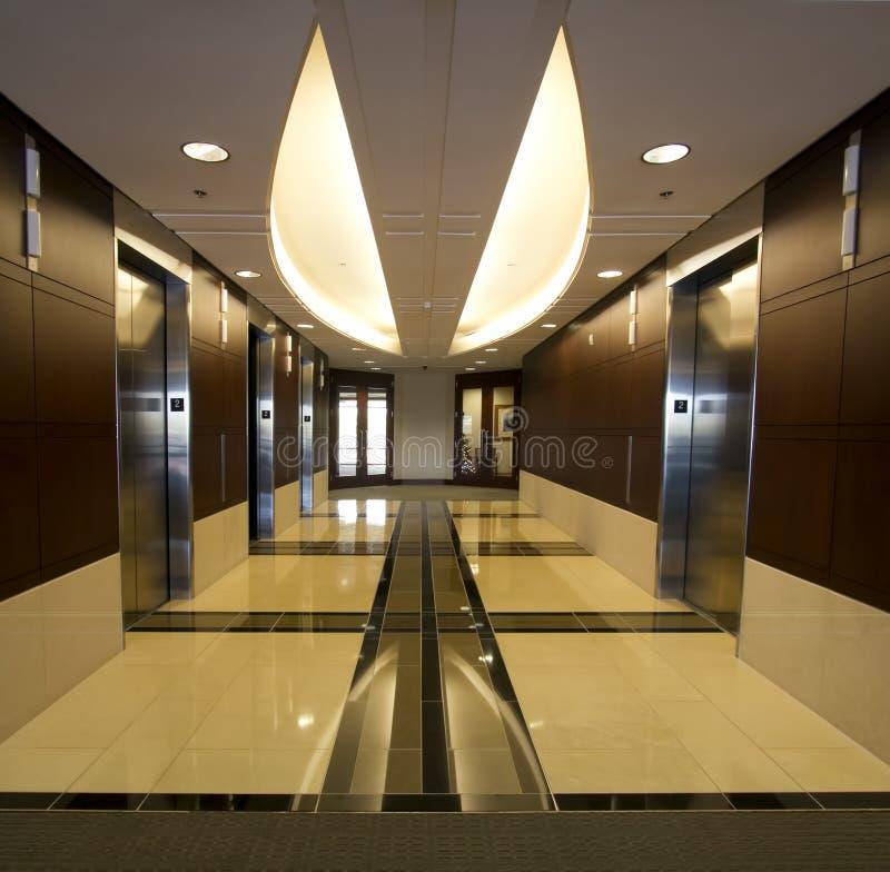 De collectieve binnenlandse liften van de de bouwgang   royalty-vrije stock foto's
