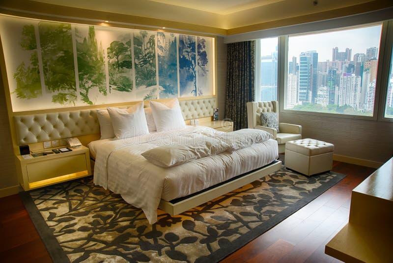 De comfortabele slaapkamer van de de dienstflat royalty-vrije stock fotografie