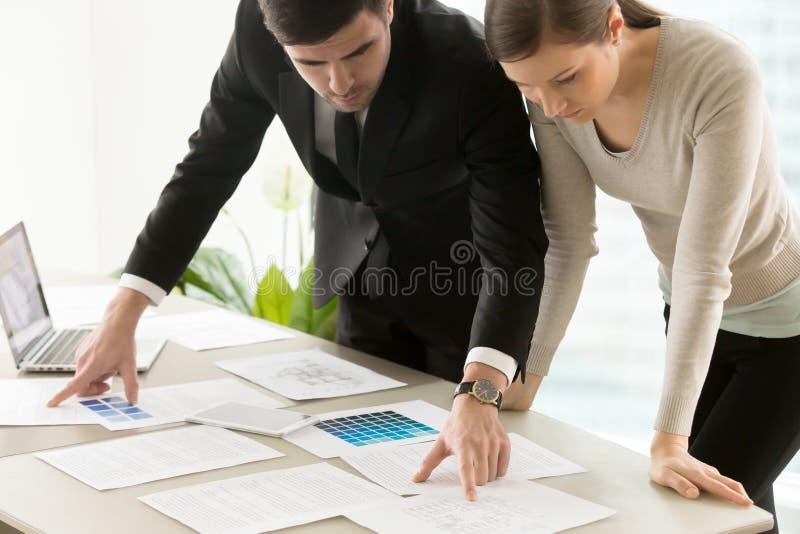 De commerciële woon binnenlandse ontwerpdiensten, ontwerpersteam royalty-vrije stock foto