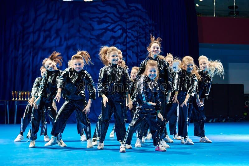 De competities van de kinderen van 'MegaDance' in choreografie, 28 November 2015 in Minsk, Wit-Rusland stock afbeeldingen