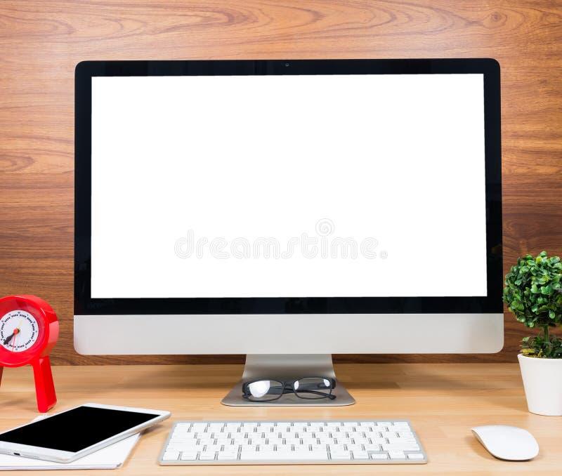 De computer van de bureaumonitor, muis op houten lijst stock fotografie