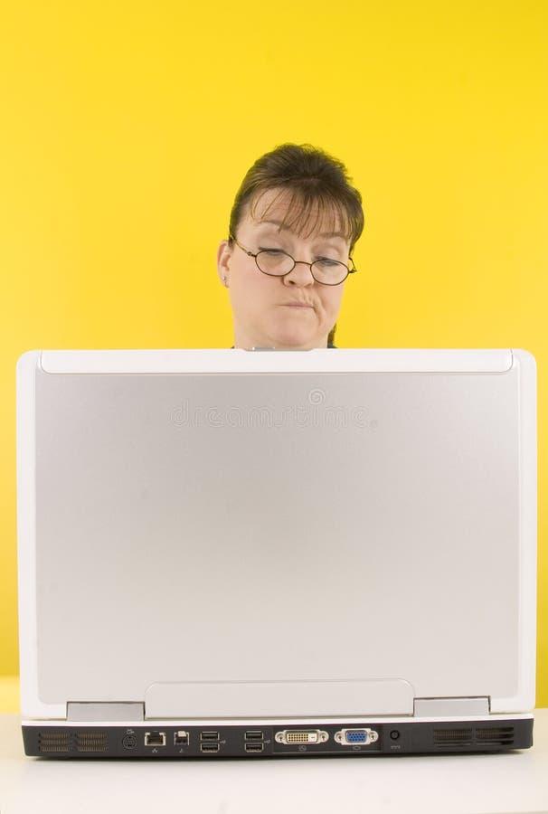 De computer van de vrouw stock afbeeldingen
