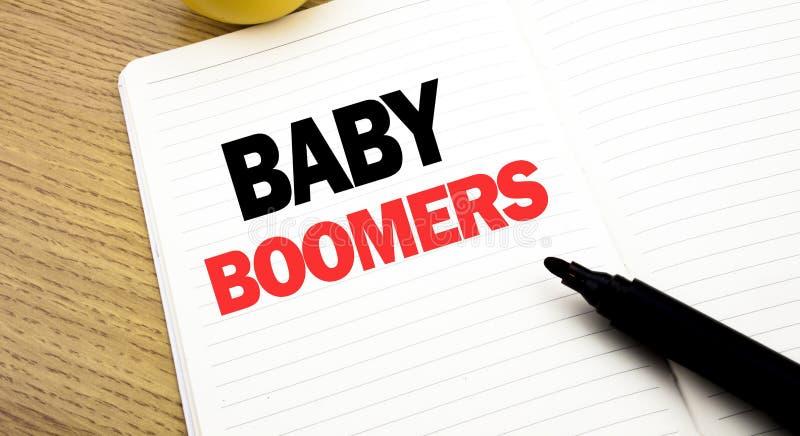 De conceptuele hand het schrijven inspiratie die van de teksttitel Baby Boomers tonen Bedrijfsconcept voor Demografische die Gene royalty-vrije stock fotografie