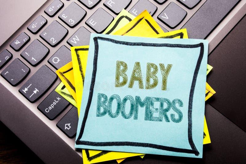 De conceptuele hand het schrijven inspiratie die van de teksttitel Baby Boomers tonen Bedrijfsconcept voor Demografische die Gene royalty-vrije stock foto's