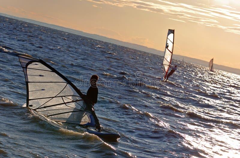 De concurrentie van Windsurf stock afbeeldingen