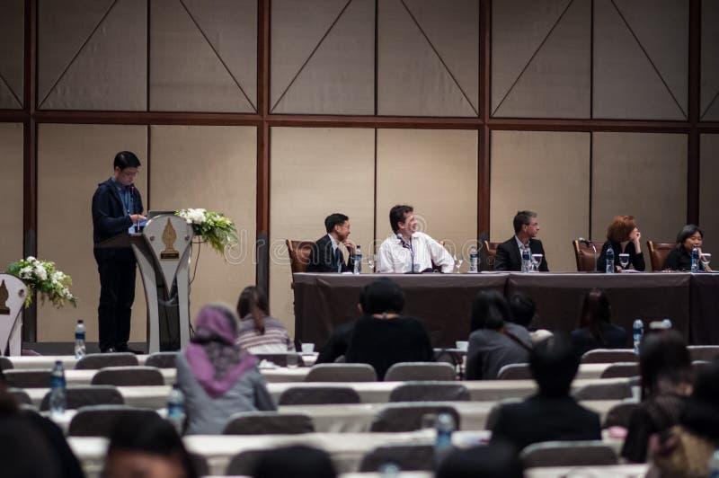 De conferentie en de overeenkomstcentra woonden Internationaal bij stock foto