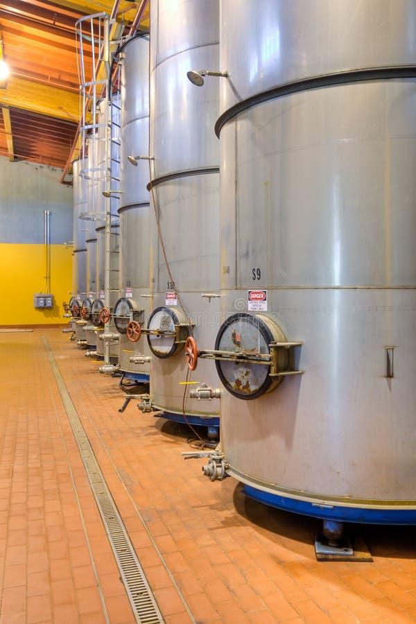 De Containers van de Wijn van het metaal royalty-vrije stock afbeelding