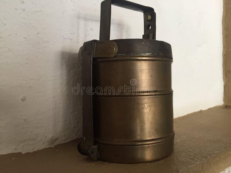 De containers van het messing stock afbeelding