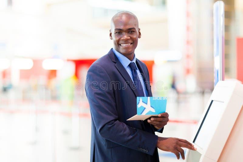 Download De Controle Van De Zelfbediening Binnen Stock Foto - Afbeelding bestaande uit zeker, looking: 29500342