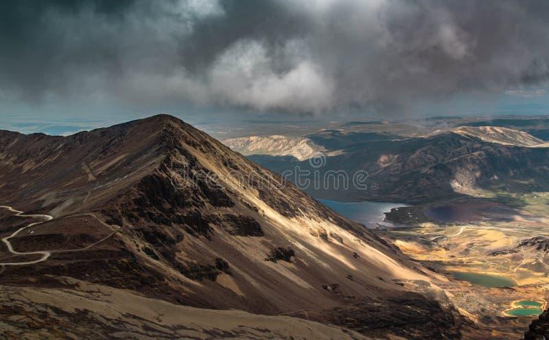De Cordillera van de Andes, in Bolivië, bij 5000m Chacaltaya stock foto's