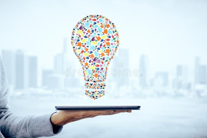 De creatieve lamp van het handgebaar stock afbeelding