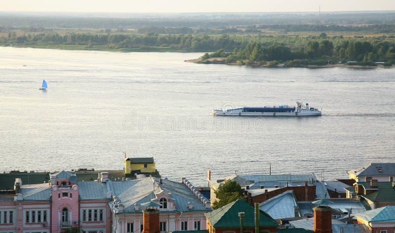 De cruise van de bootavond op de Volga Rivier Nizhny Novgorod Rusland royalty-vrije stock afbeelding