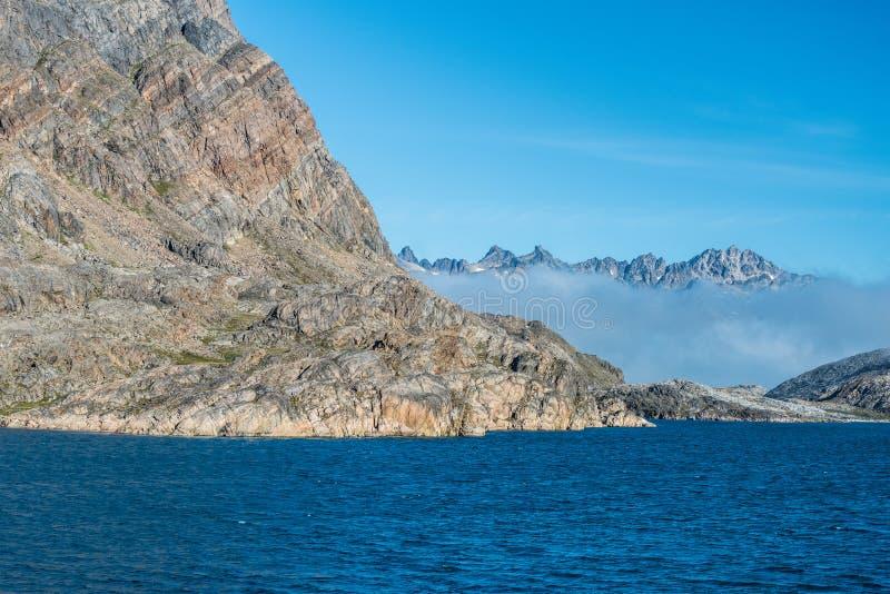 De cruise van Groenland - landschappen in de Hamburger Sund, het noorden van Maniitsoq, West-Groenland royalty-vrije stock afbeelding