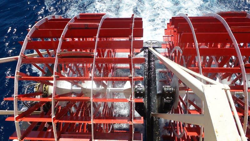 De Cruiseboot van het peddelwiel stock fotografie
