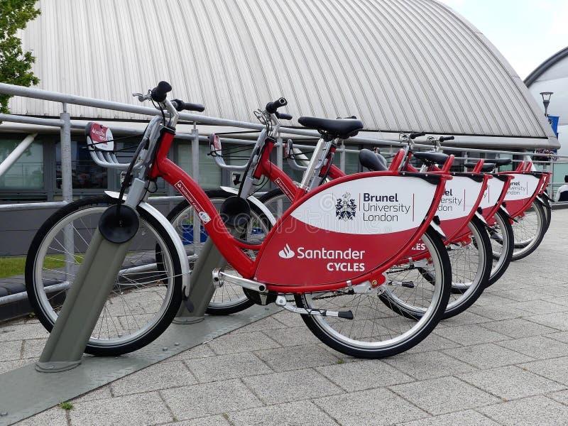 De Cycli van Santander bij de campus van Brunel Universitair Londen stock fotografie