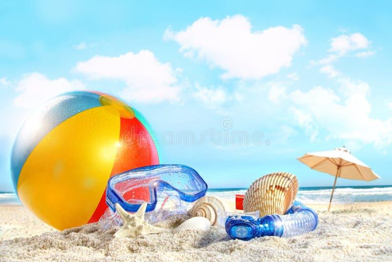 De dag van de pret bij het strand stock foto's