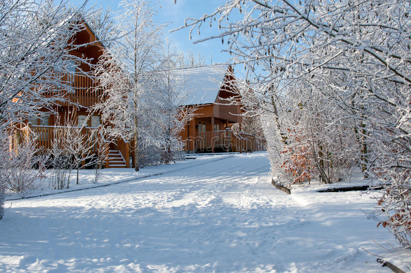 De dag van de winter in het dorp royalty-vrije stock fotografie