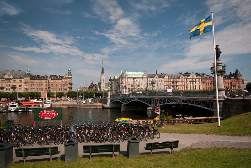 De dag van de zomer, de stadscentrum van Stockholm, Zweden stock foto's