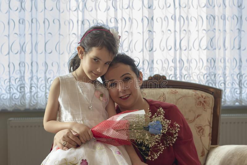 De dag van de gelukkige moeder met kinderen stock fotografie
