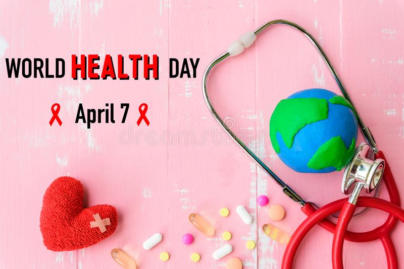 De dag van de wereldgezondheid, Gezondheidszorg en medisch concept Rood hart met stock afbeeldingen