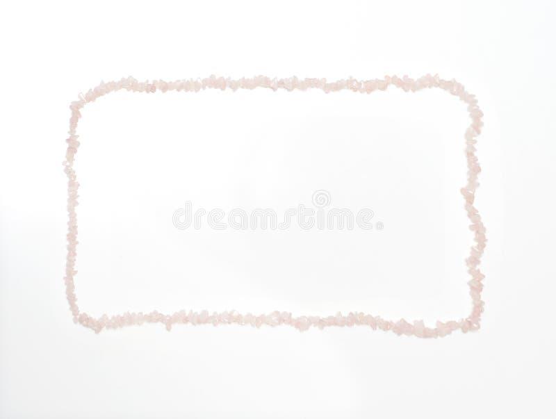 De Dagachtergrond van Valentine ` s door de roze halsband die van het kwartskristal wordt gemaakt stock foto's