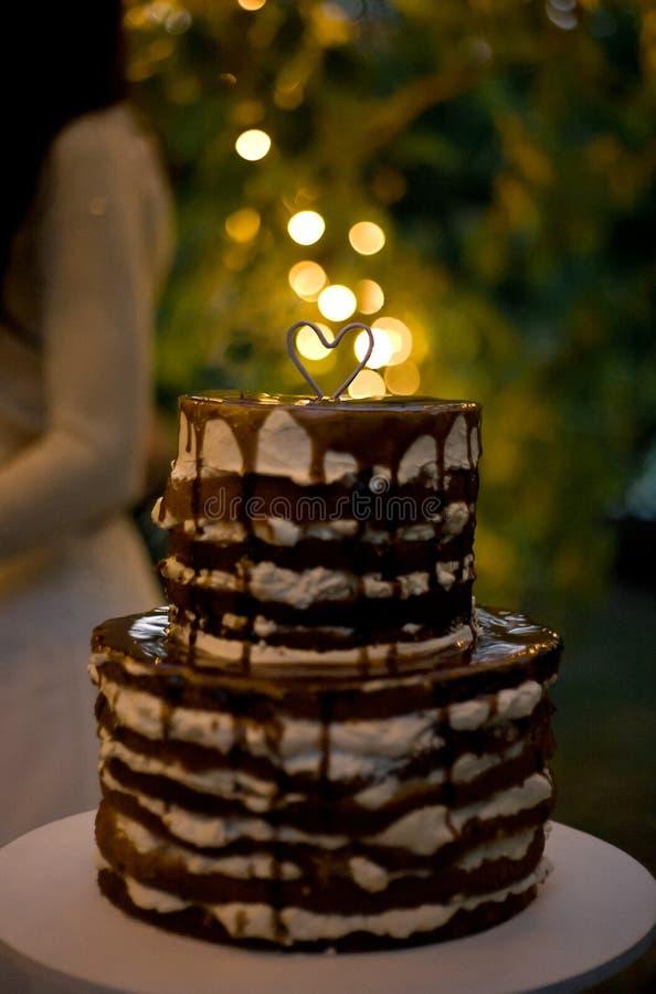 De dagcake van Valentine ` s met hart en sterretje, vaag lichteffect stock foto's