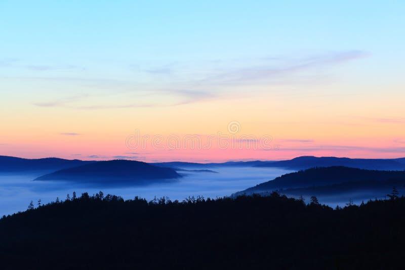 De dageraad van de berg royalty-vrije stock foto