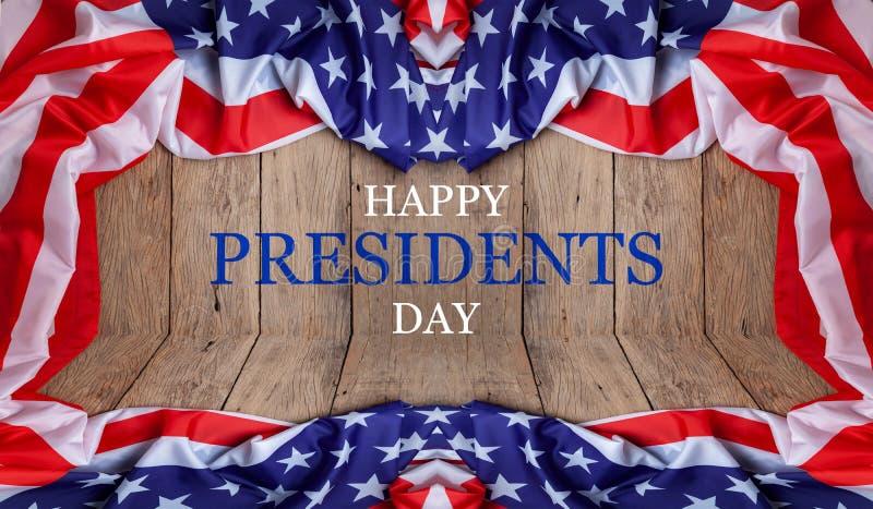 De Dagtekst van gelukkige Voorzitters op houten met vlag van de Grens van Verenigde Staten stock fotografie