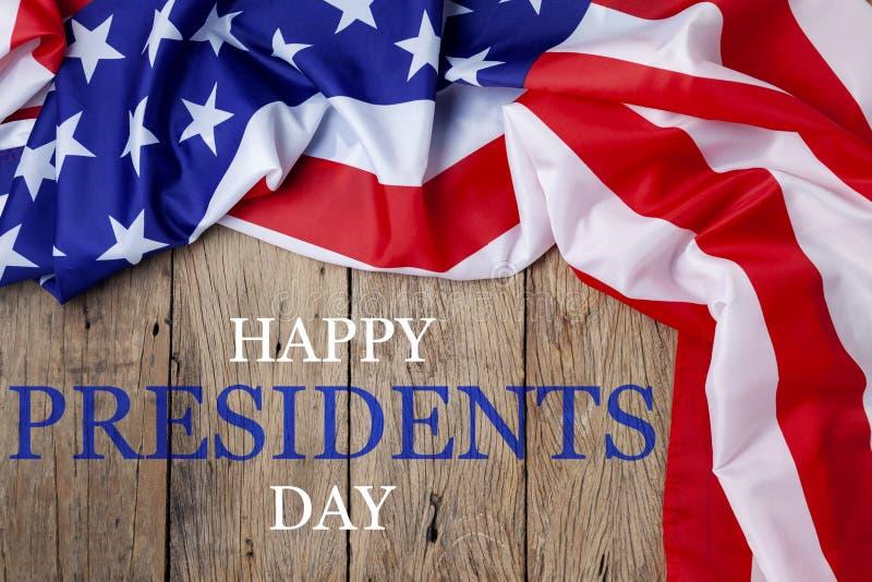 De Dagtekst van gelukkige Voorzitters op houten met vlag van de Grens van Verenigde Staten royalty-vrije stock afbeeldingen