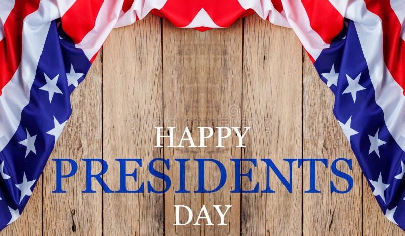 De Dagtekst van gelukkige Voorzitters op houten met vlag van de Grens van Verenigde Staten royalty-vrije stock afbeelding