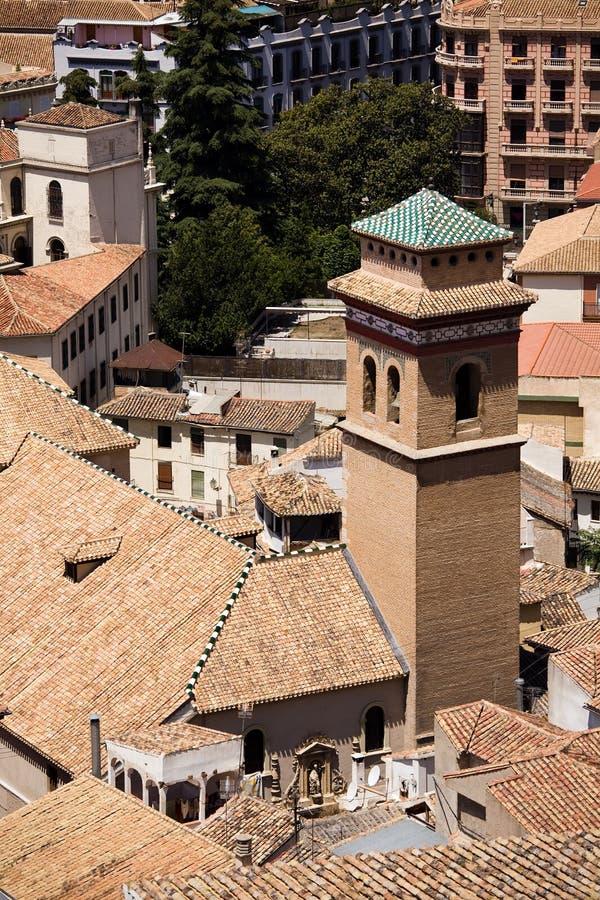 De daken van de baksteen in de stad van Granada royalty-vrije stock foto