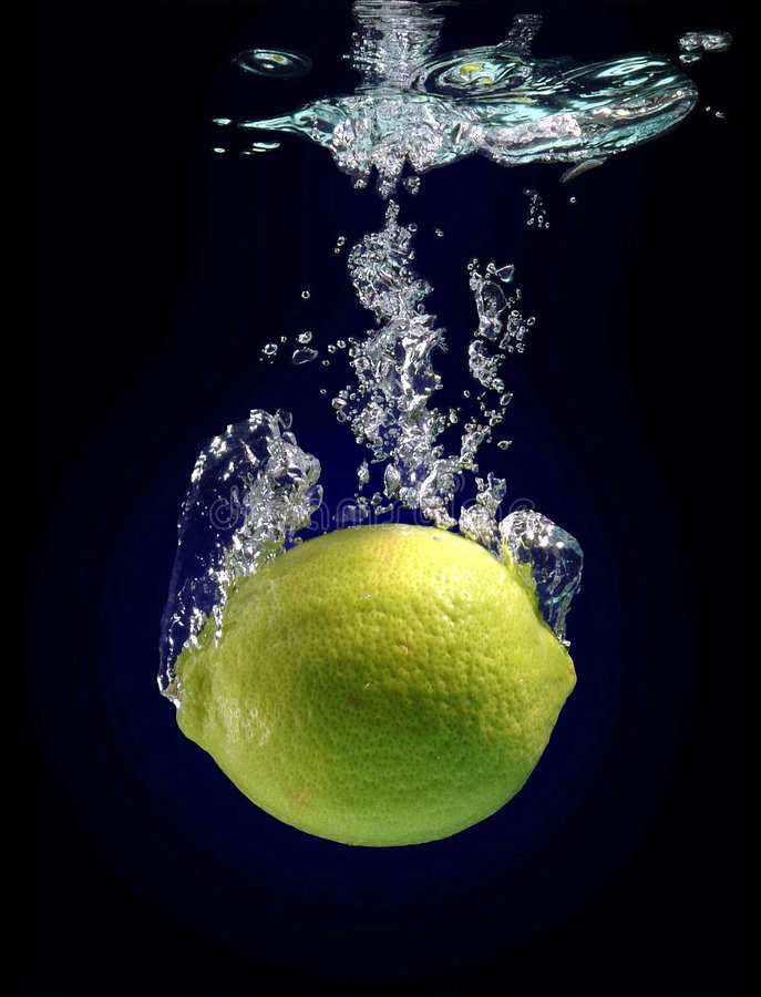 De daling van de citroen royalty-vrije stock afbeelding