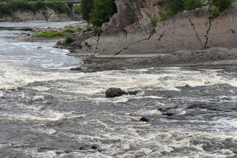 De daling van het de rivierwater van La Chaudiere stock afbeelding