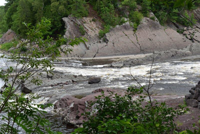 De daling van het de rivierwater van La Chaudiere stock fotografie