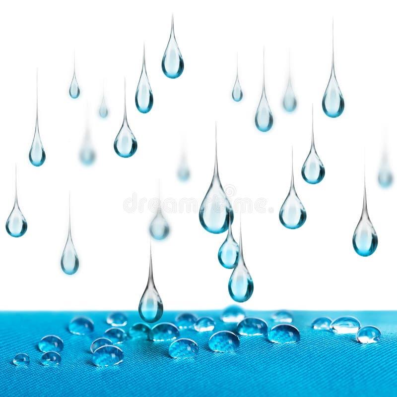 De daling van regendalingen op waterdichte stof royalty-vrije stock foto